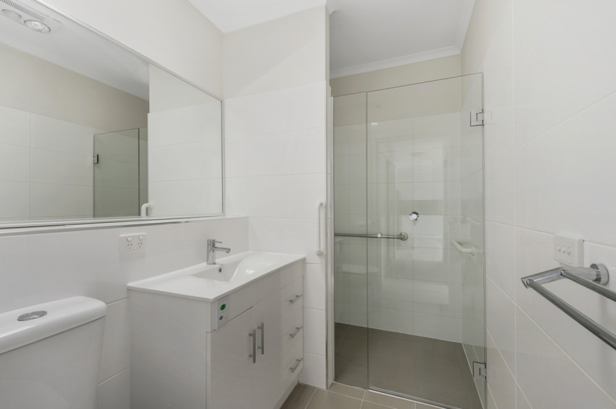 Come and live the good life in a spacious Highvale Village serviced apartment