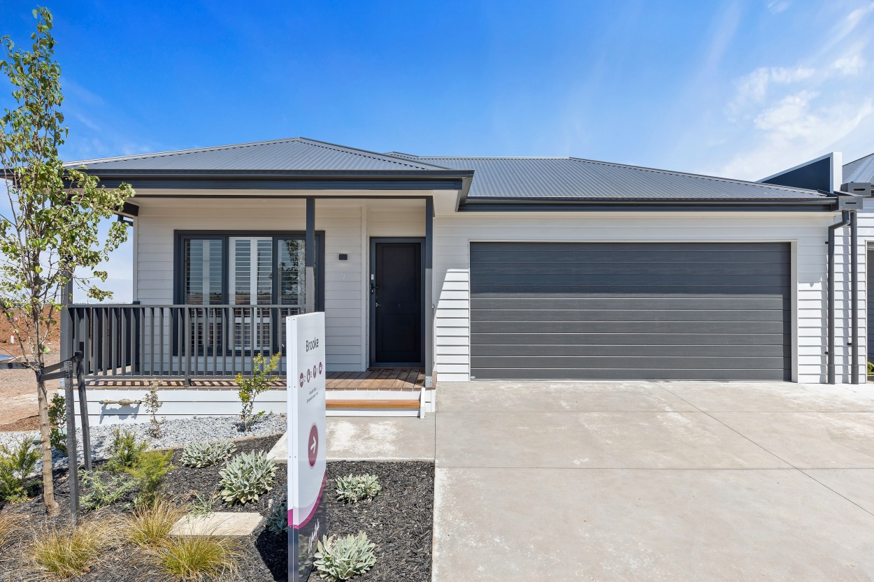 The Brooke provides just that extra bit of freedom to help you live how you want. 21 Mushu Street - Deanside 3336 Retirement Property for Sale