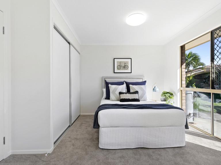 Two bedroom retirement villa walking distance to Aspley Hypermarket