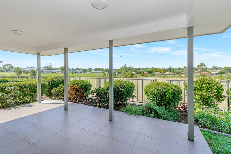 The perfect outlook - Milford Grange 12