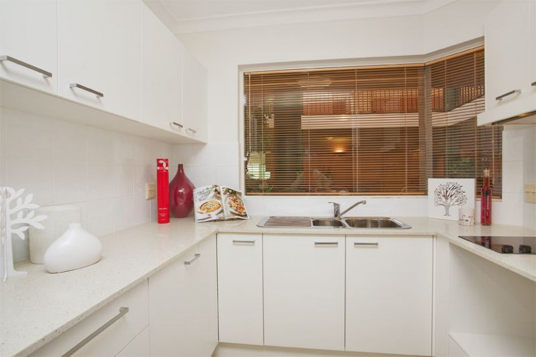 Currently under refurbishment! Spacious and stylish serviced apartment