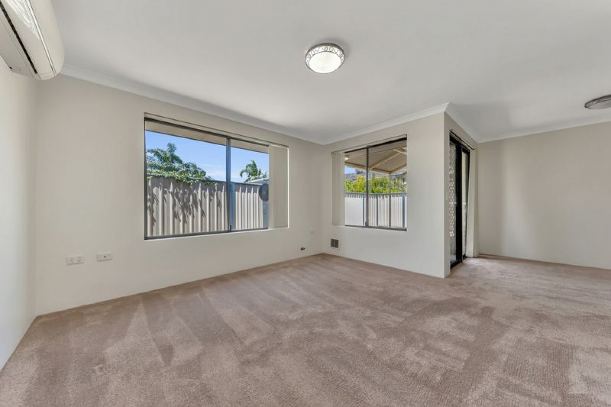 With huge street appeal, this beautifully presented home offers a wonderful lifestyle option in a welcoming community