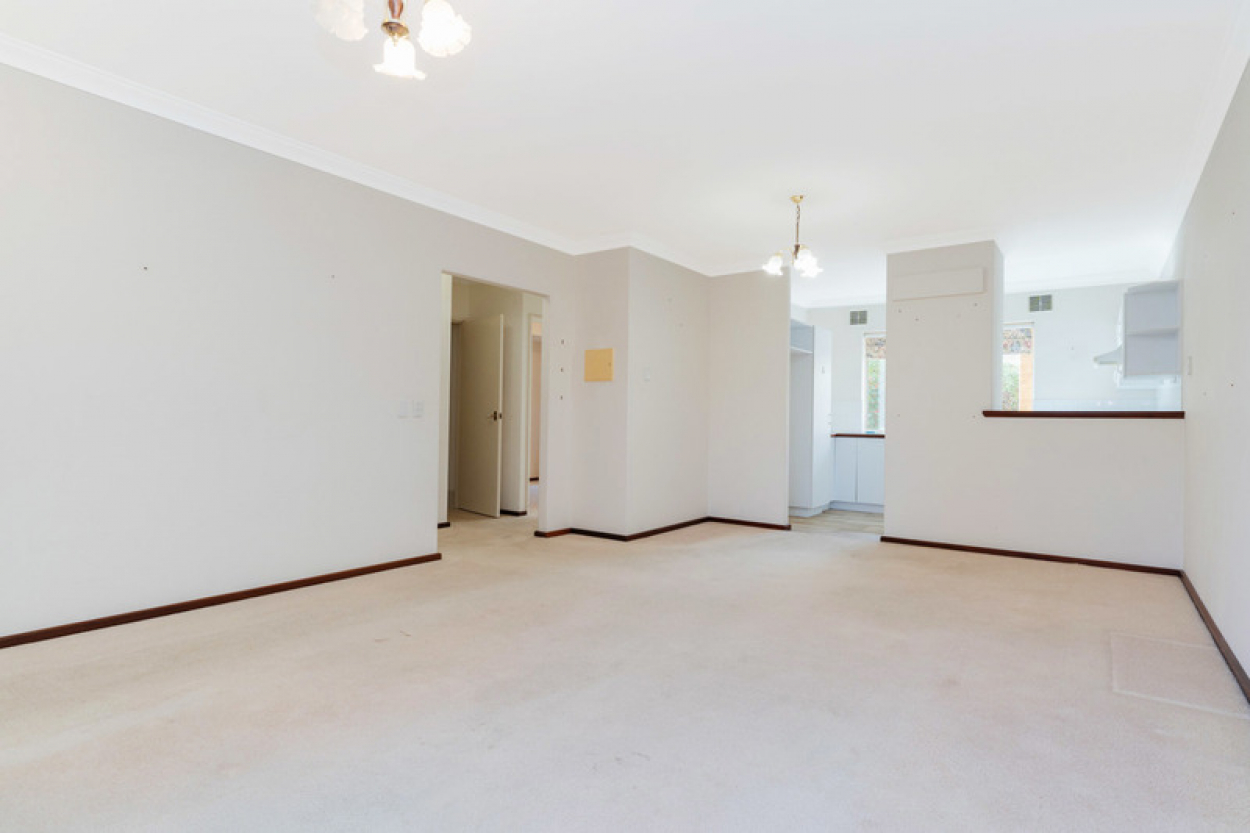 Ideally located villa offering style and convenience