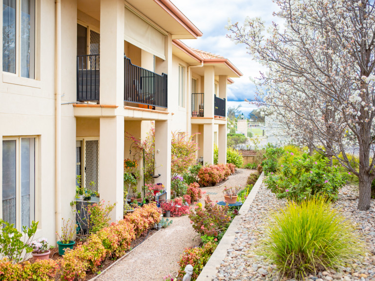 Spacious 2Bed Condo in Park-Like Taylors Hill Retirement Village