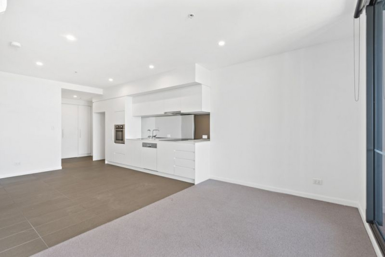 What a location in the heart of Coorparoo!!