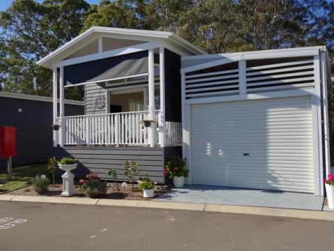 Lakeside Lifestyle Community Residence 29