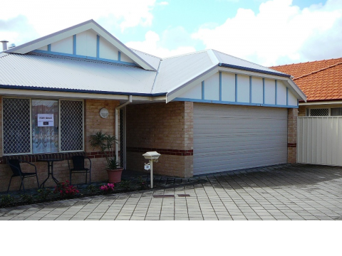 This is possibly the cheapest 2 Bed villa with 2 full bathrooms and extra-large double garage