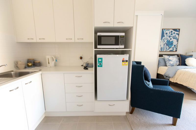 Stylish serviced apartments with rare car space - Templestowe Village