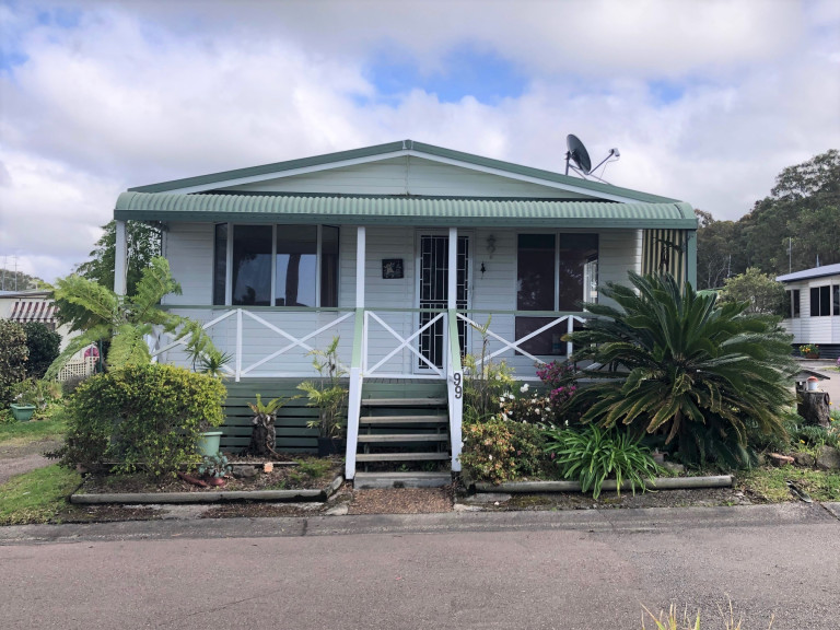 The Perfect Spot – Great Size 2 Bedroom Home in Bevington Shores over 50's Lifestyle Village - Halekulani - NSW