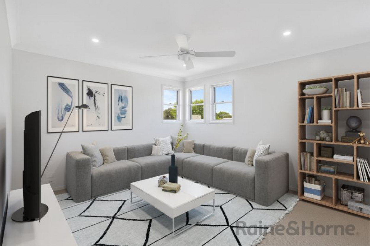 Would you like to live in luxury whilst being a short stroll from the CBD?