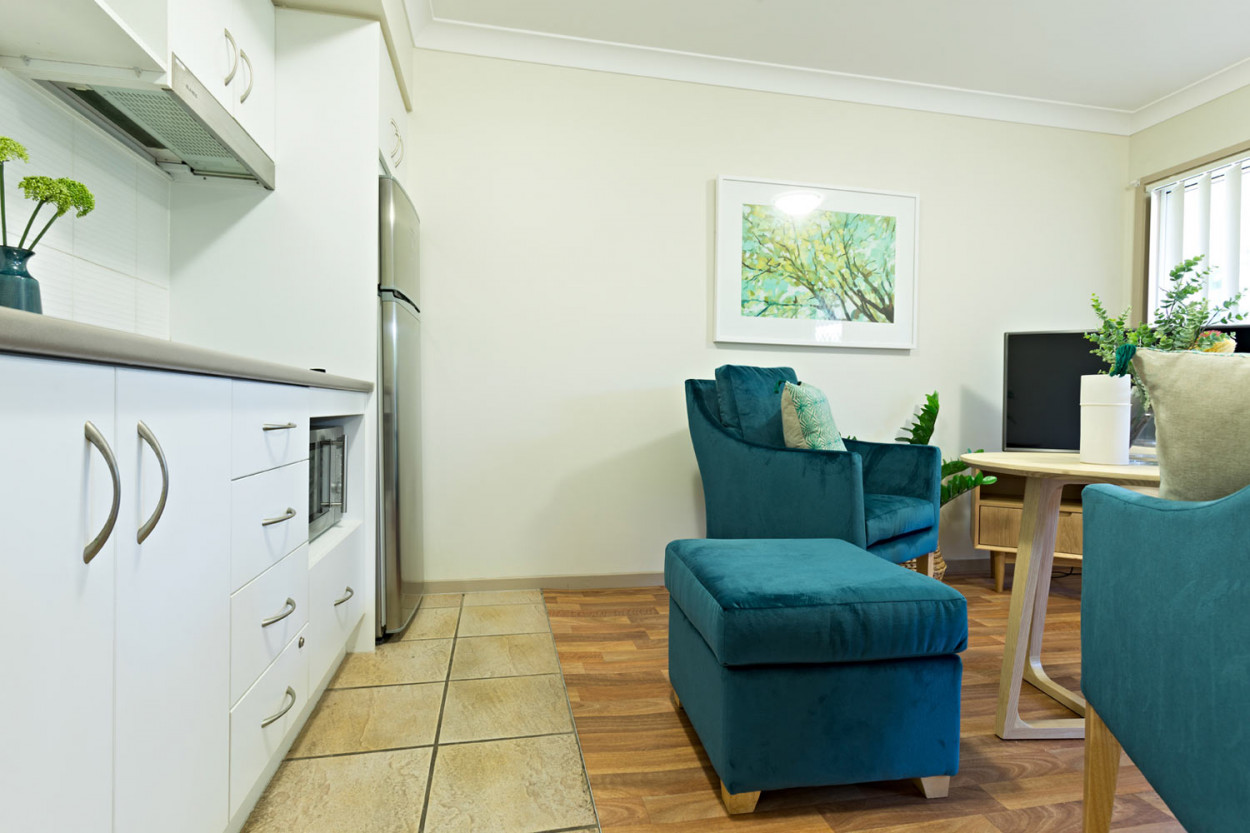 Conveniently located, affordable one bedroom apartment with beautiful garden surrounds
