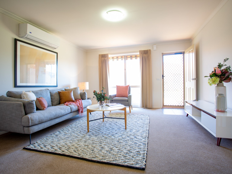 Gorgeous 2 Bed Villa Home in lovely Keilor Retirement Village