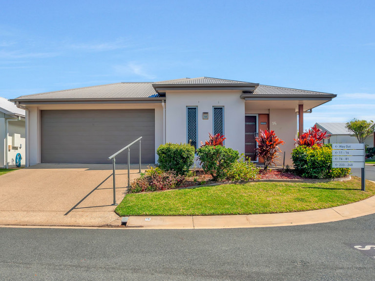 No need to downsize with this 3 bedroom beauty! - Breezes 16