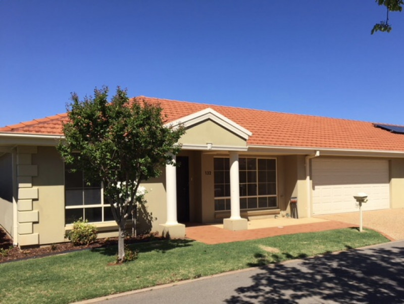 Griffith Retirement Estate.  3 Bedroom Double Garage Homestead.