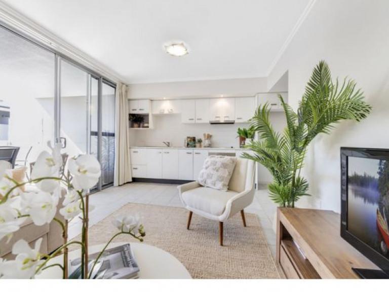 Baldwin Living - One Bedroom Apartment