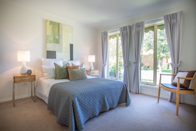 2Bed Villa with 1.5Bath, great position, huge courtyard, Burnside Village
