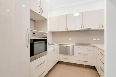 Large and spacious condominium apartment