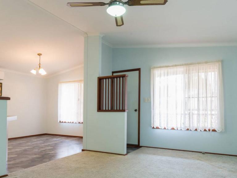 Lovely 2 Bedroom Home - A Cook's Delight at Mandurah Gardens Estate
