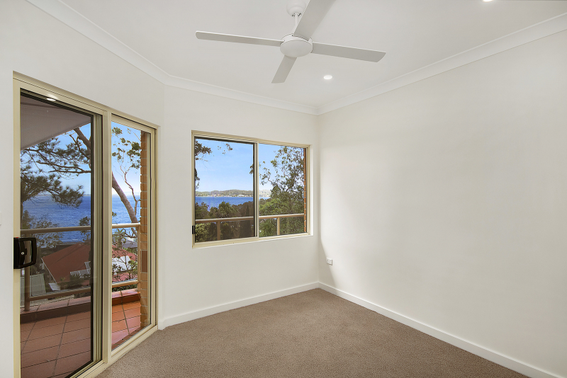 Spectacular water views - Macquarie View 55