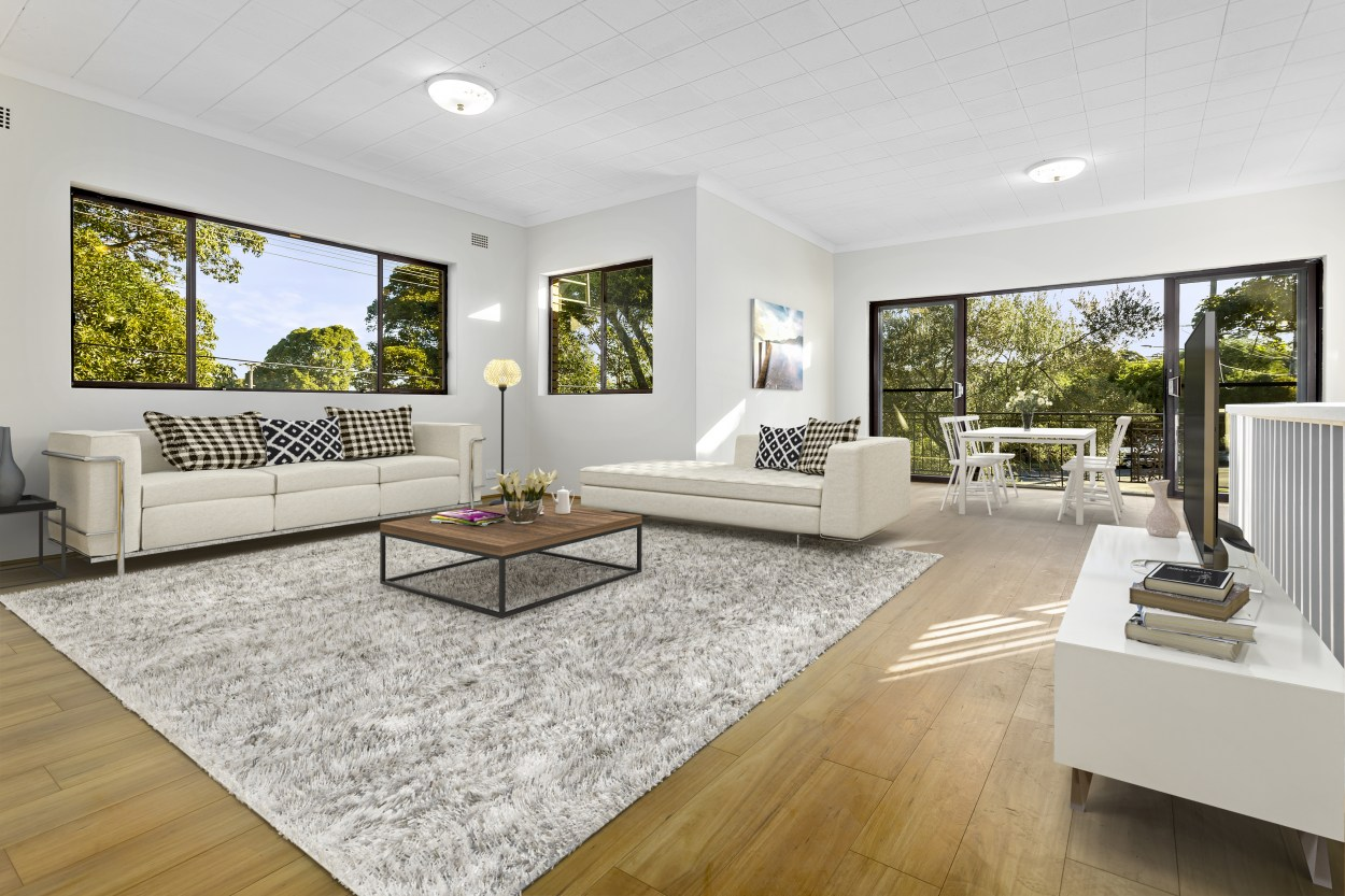 Very spacious newly renovated upstairs duplex