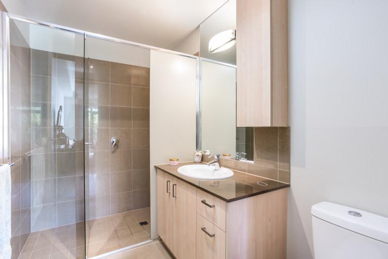 Yarrbat Place – Luxury 3-bedroom, 2-bathroom apartment