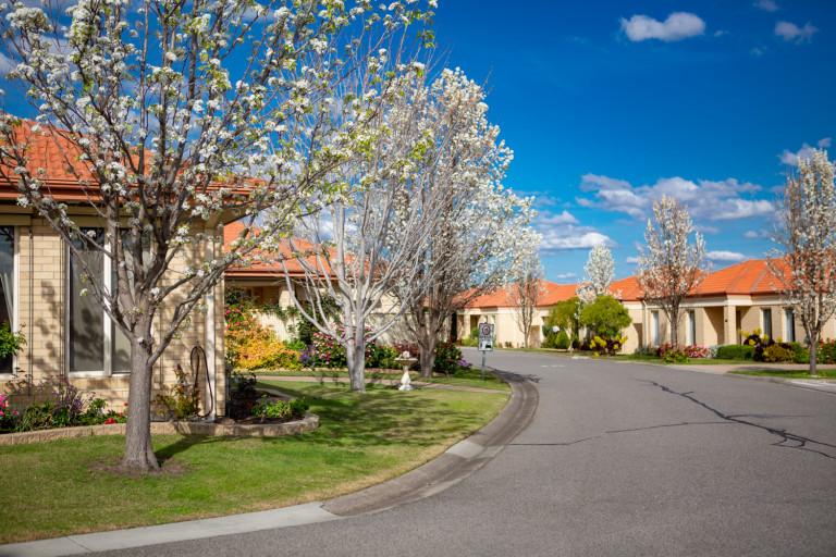 2Bed 2Bath Brick Villa - Great Community - Taylors Hill Village