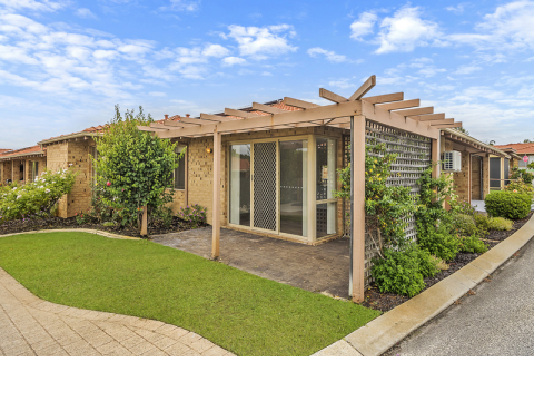21 Huron Estate - Superb fully upgraded three bedroom villa with double garage, solar and terrific location within the village