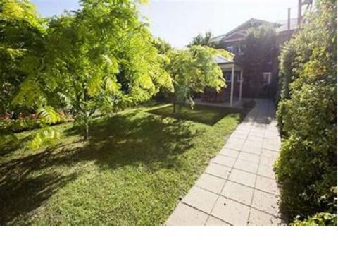 Menarock Camberwell Gardens
