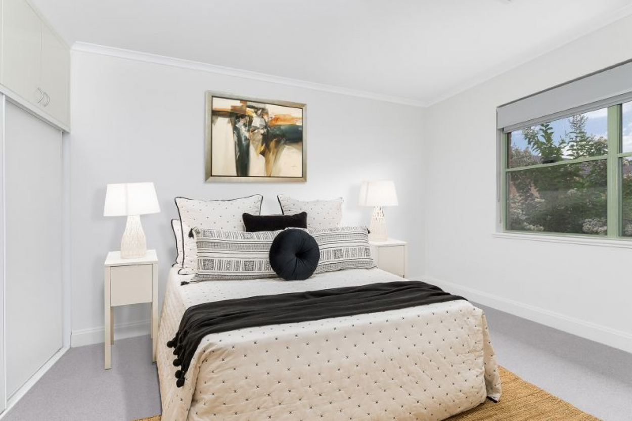 Exceptional opportunity, north facing three bedroom unit. Settle prior to the 30 September 2021 and receive a $5000 gift Visa Card