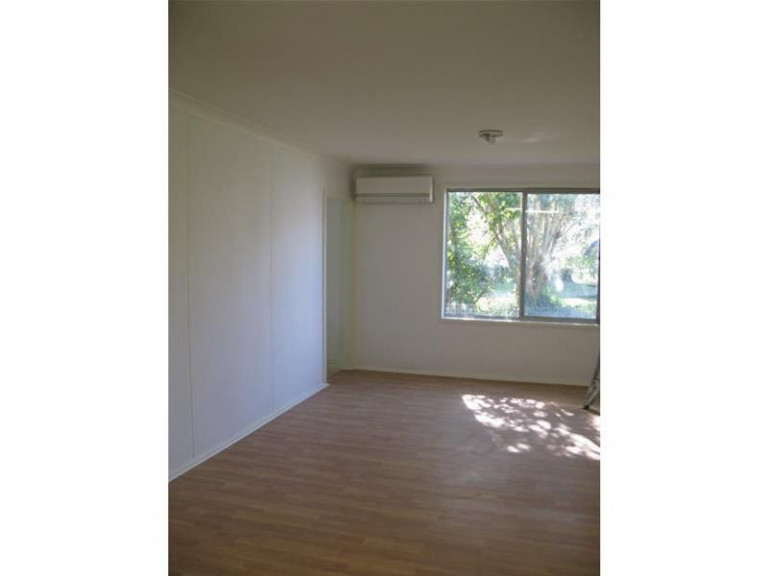 2 BEDROOM UNIT - LAWN MAINTENANCE INCLUDED IN THE RENT