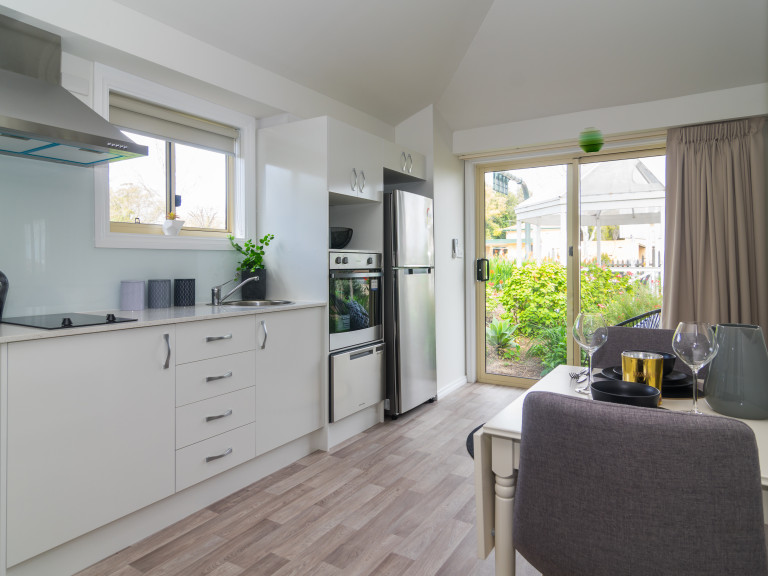 Budget independent living in Unley!