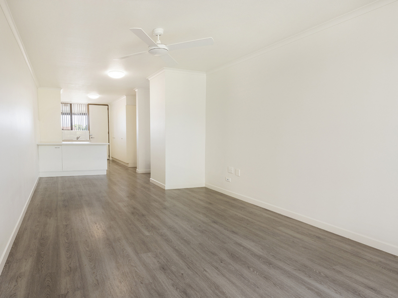 Sunny ground floor apartment perfect for someone with a pet