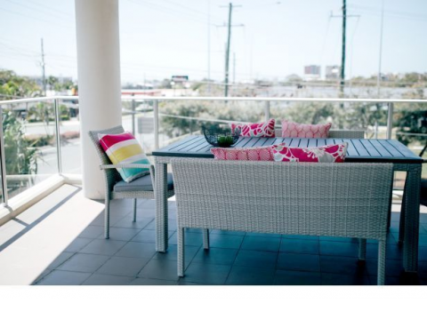 Azure Blue Redcliffe -2 Bedroom 1 Bathroom Apartment