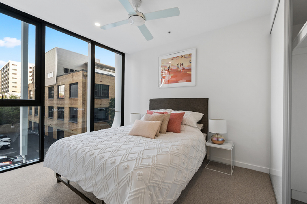 One bedroom beauty with boulevard views