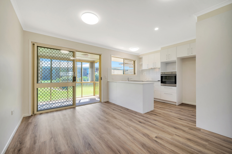 Two sun-room extensions to enjoy - Westhaven 73