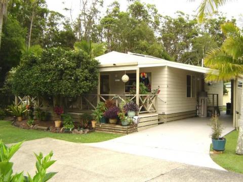 Site M28 Gateway Lifestyle Lorikeet