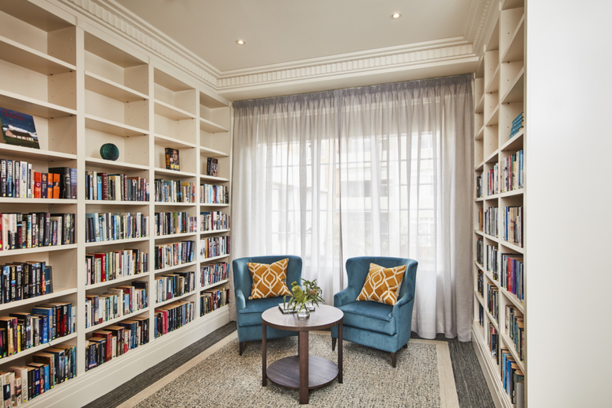 Stylish east facing 1-bedroom apartment at Classic Residences Brighton