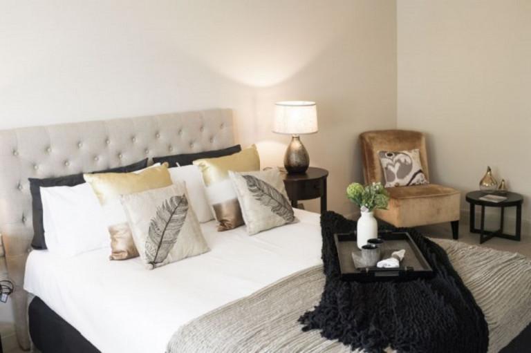Waterfront retirement village - Modern 2-bed apartment, Taren Point