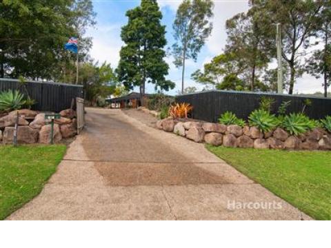 Big block . Gardeners delight. Pool. Cornubia. Economical water tanks and solar.Harcourts Nexus