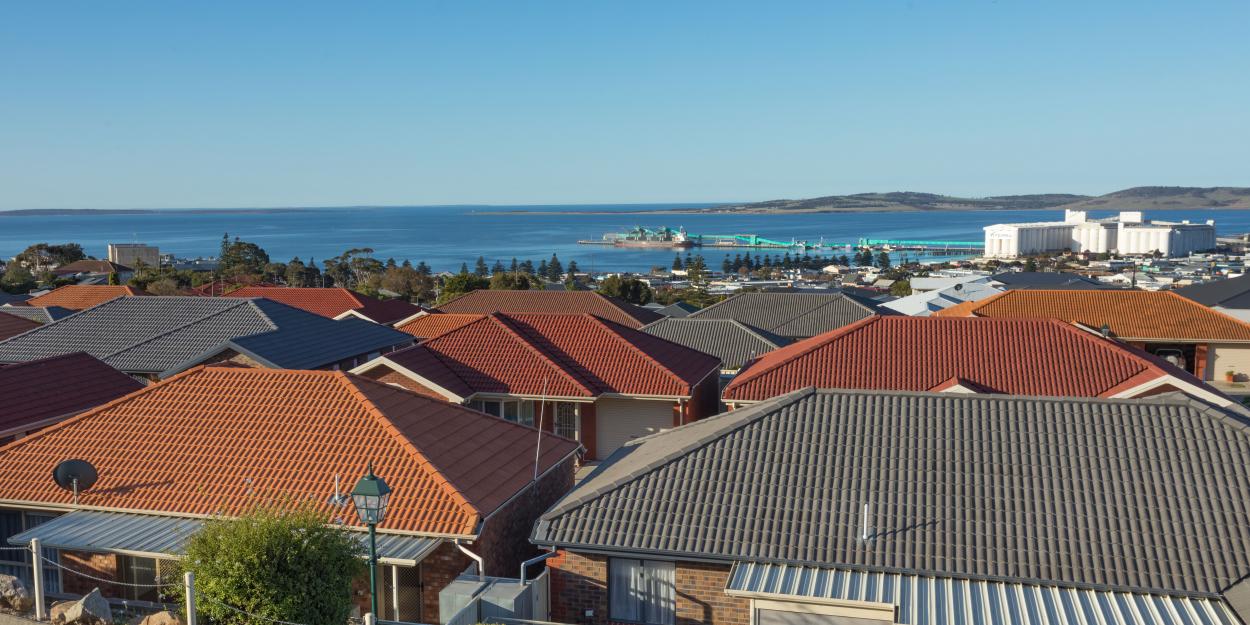 Enjoy a vibrant community and breathtaking ocean outlook