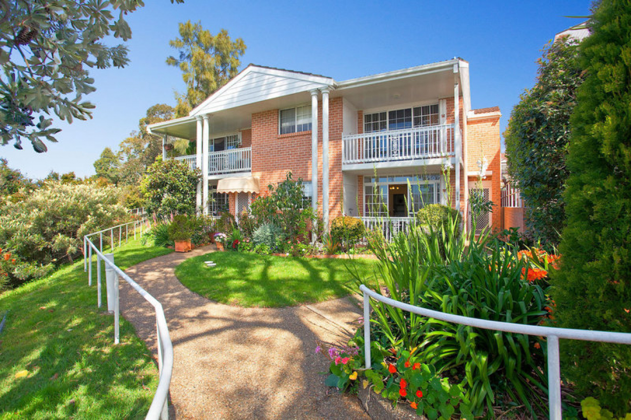 This spacious three bedroom unit is fully renovated throughout so just move in, enjoy and relax!