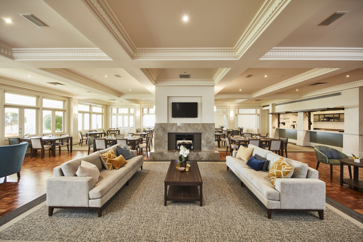 Light and bright East facing penthouse