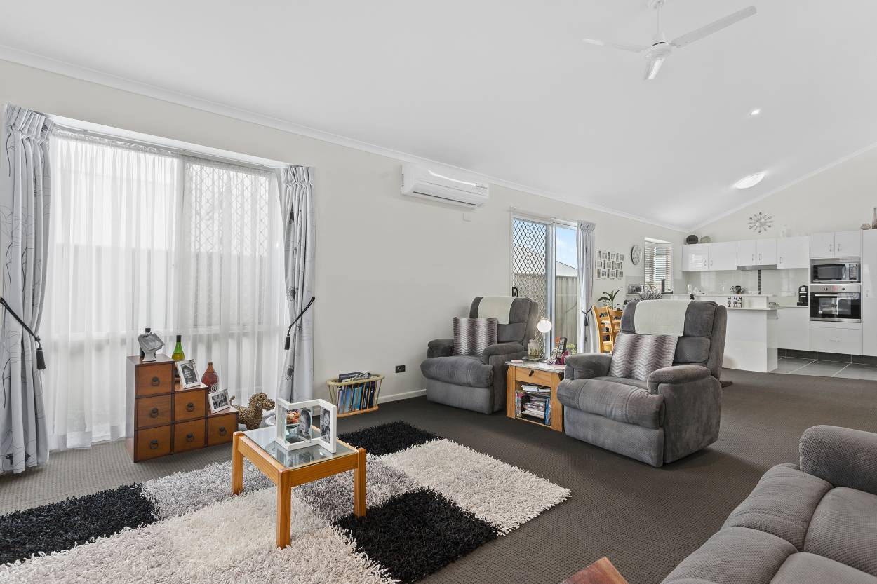 Neat As A Pin!! 199/ 97-161 Hogg St - Cranley 4350 Retirement Property for Sale