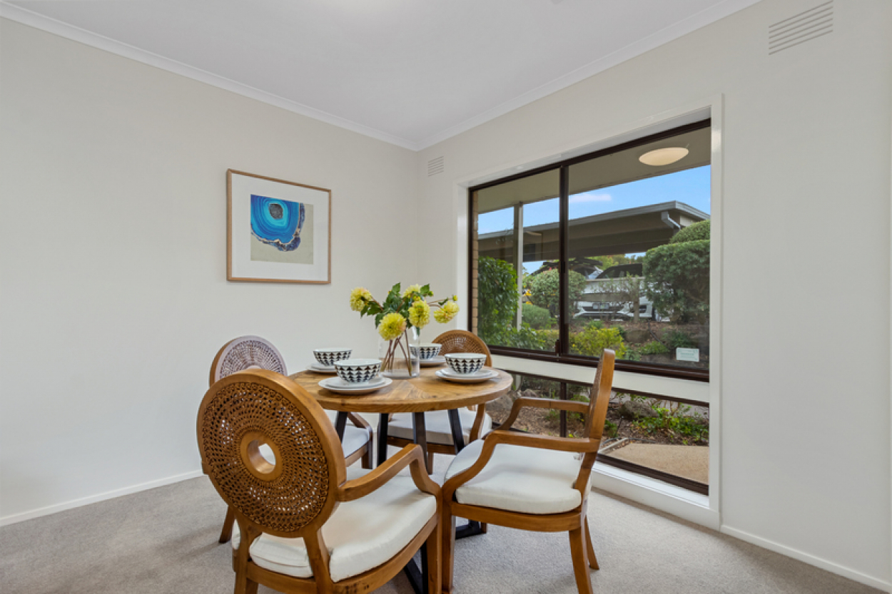 Close to the community centre, great location