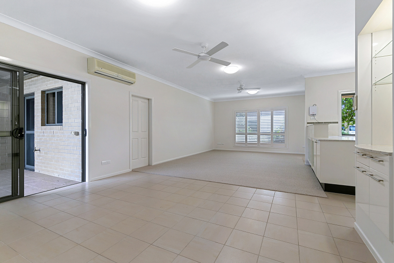 Easy Living with everything at your doorstep - Moreton Shores 31