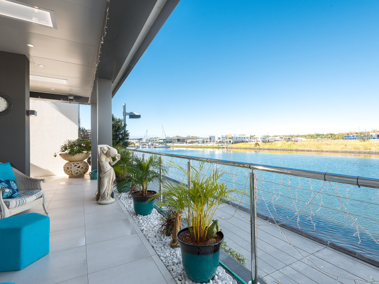 Waterfront wonder, don't miss this opportunity
