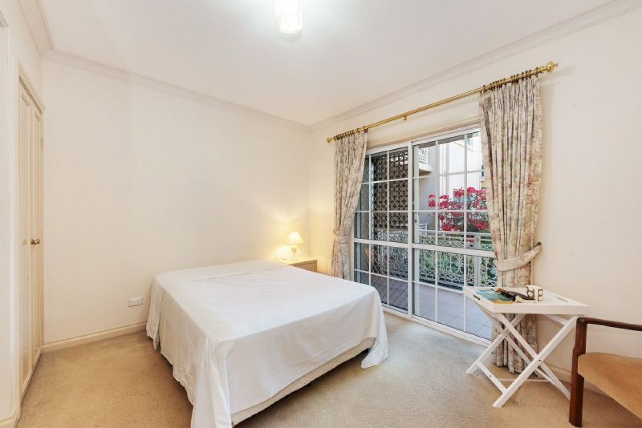 Totally Unique 1 bedroom Garden apartment