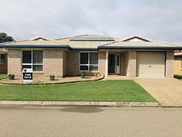 Affordable home in desirable location! Carlyle Gardens