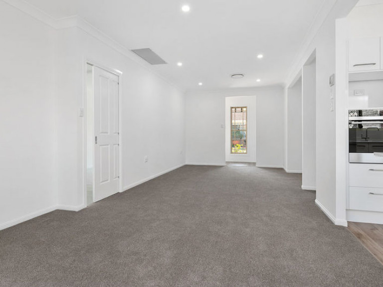 1 Bedroom, Garage converted to extra living area