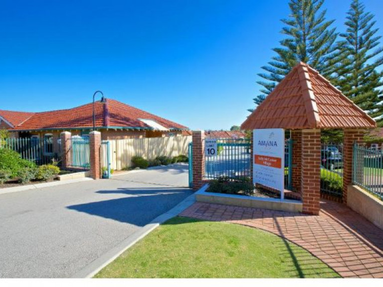 Located in Perth's leafy northern coastal suburb of Duncraig, Lady McCusker Home is close to shops, public transport and parklands.